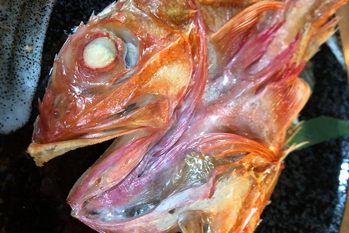キンキの姿焼き 1280円 冬が旬の高級魚。脂が良くのり非常に美味しいお魚です。