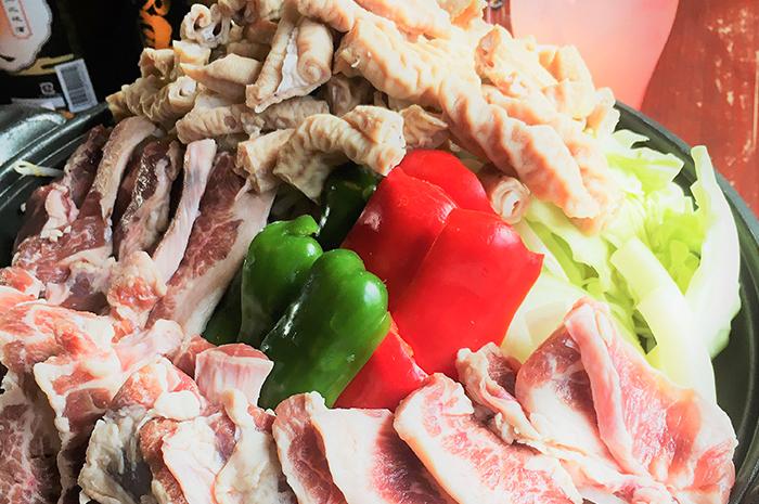 季節の野菜と漬け込みハラミ肉の陶板焼きコース